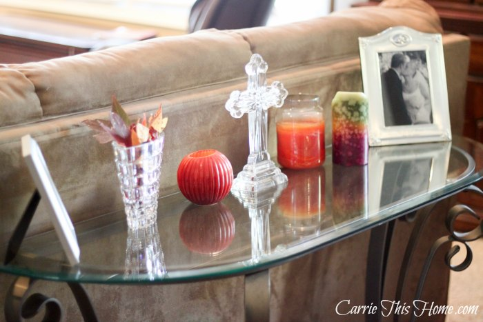 I love the warm colors of Fall!  Here's some quick tips to help you make the perfect Fall Tablescape today!