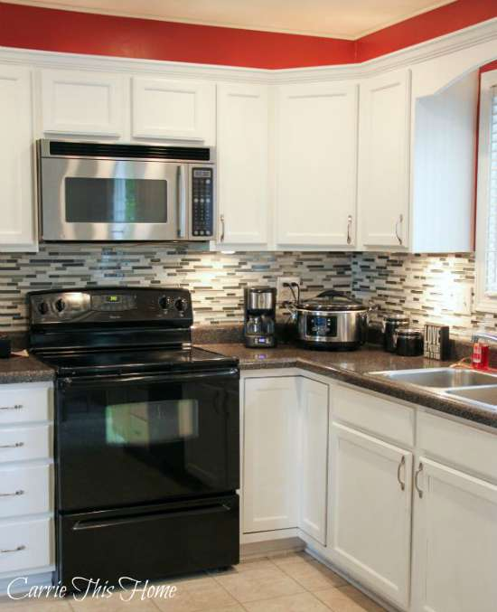 Budget Kitchen Makeover-great tips on how to get an upscale look on a budget!