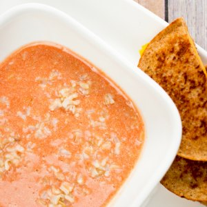 5 Minute Creamy Tomato & Rice Soup