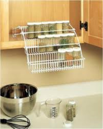 I would LOVE this pull down spice rack in my kitchen!