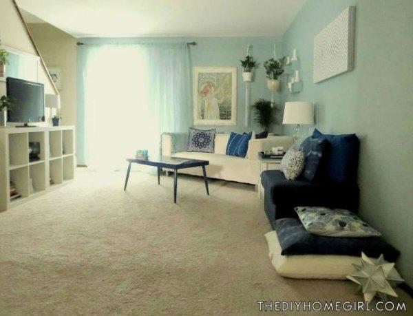 aqua-accent-wall-living-room-makeover