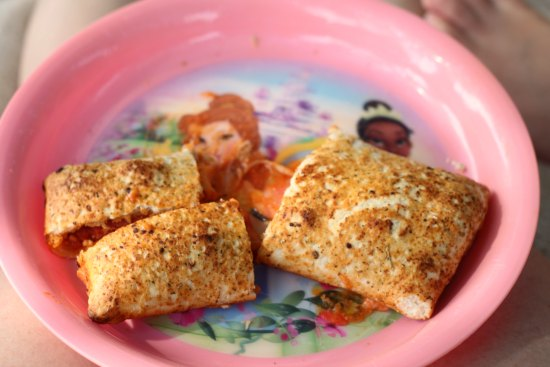 Hot Pockets are the perfect summer snack idea--just the right amount for you and the kids! #SummerGoodies #shop