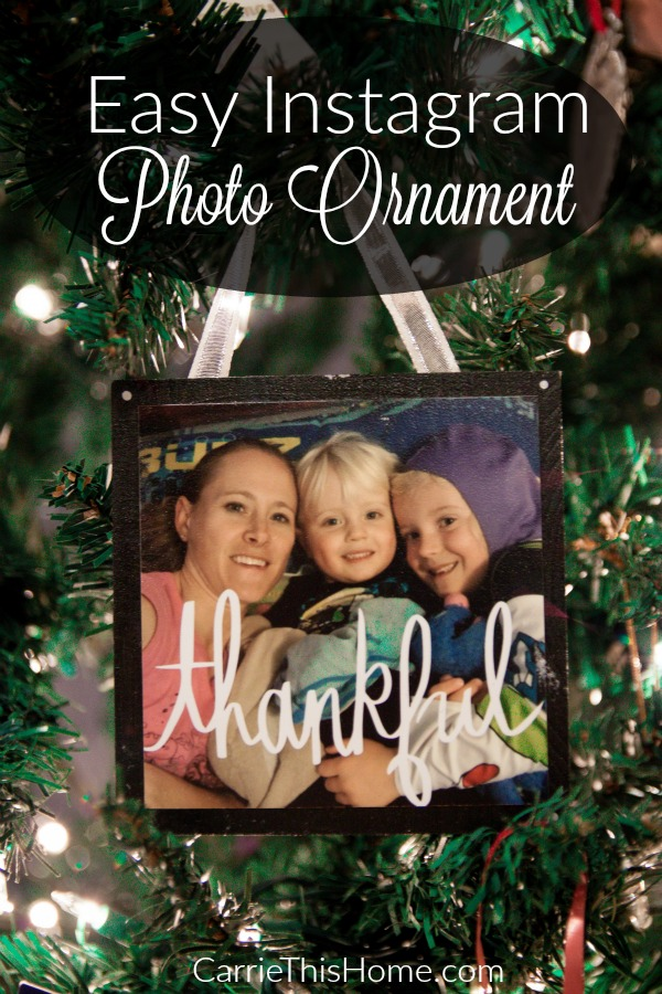 These Easy Instagram Photo Ornaments make the perfect gift idea!