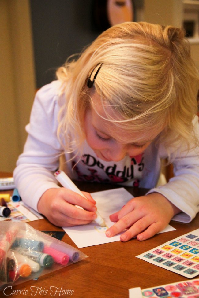 Make thank you note writing fun for kids! These tips will show you how!