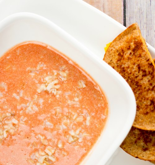 Delicious and easy creamy tomato and rice soup