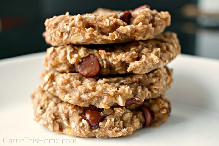 These 3 ingredient breakfast cookies are so addicting!